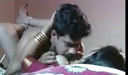 शालीनता की कमी नाश्ता लाने के लिए अपने जुनून सेक्सी फुल मूवी हिंदी में बिस्तर