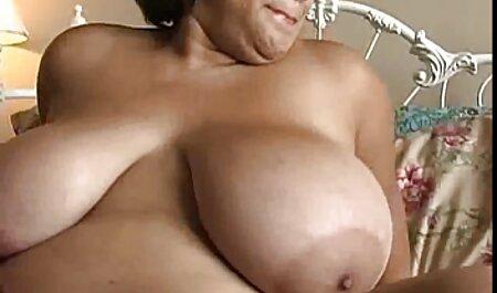 वेब कैमरा के सामने छोटे बाल के साथ महिलाओं की हिंदी फुल सेक्सी मूवी योनि में प्रेमिका सेक्स