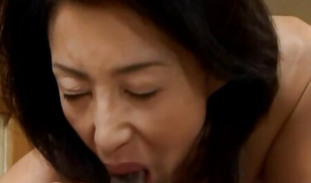 बड़े स्तन हिंदी में सेक्सी वीडियो फुल मूवी बड़े रबर पर स्लाइड के साथ लड़कियों