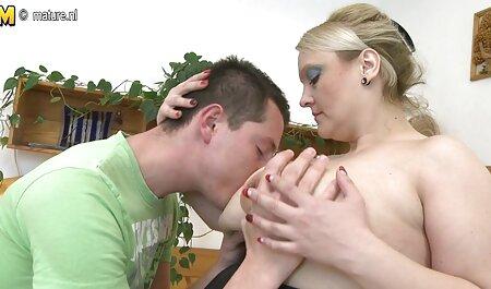 युवा किशोर वेब कैमरा के सामने स्तन से पता चलता है सेक्सी फुल मूवी वीडियो