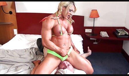 ला बिग गीले और एक युवा छात्र में फुल मूवी सेक्सी पिक्चर एक छेद