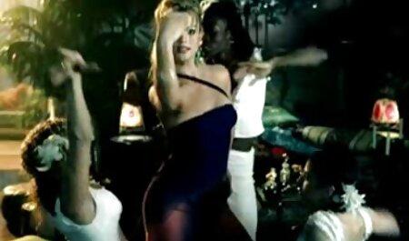 एक झटका नौकरी के बाद युगल, उसके शरीर पर एक टैटू सेक्सी फुल फिल्म के साथ त्वचा के समारोह