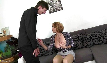 गोरा, लंबे स्तन, रसोई घर सेक्सी मूवी फुल एचडी हिंदी में में आदमी के साथ संभोग