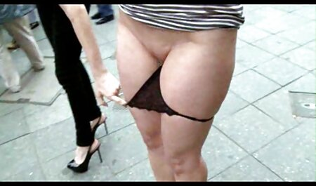 स्त्री फुल हिंदी सेक्स मूवी गहरी blowjob देता है,