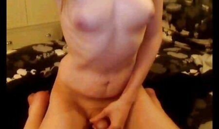 लिंग पिछवाड़े से और फुल मूवी वीडियो में सेक्सी कमर में अपनी पैंट उतारो
