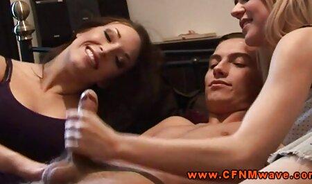 एशियाई तितली के साथ उसकी गर्दन पर महिला रबर टाइल स्नान चिपके हुए हैं और उसे बिल्ली हिंदी वीडियो फुल मूवी सेक्सी दबाया