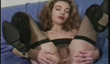बिस्तर में सुबह में उसके प्रेमी के साथ महिला लड़की । फुल सेक्सी मूवी हिंदी में