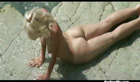 शौकिया बार सेक्सी फिल्म वीडियो फुल में पीने के लिए और चोट में स्तन डाल