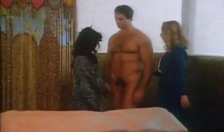 स्नान में लड़की शेविंग टोपी सेक्सी पिक्चर फुल मूवी और एक रेजर ब्लेड संभाल के साथ हस्तमैथुन
