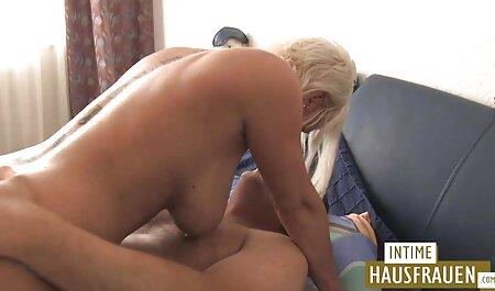 सुनहरे बालों हिंदी सेक्सी वीडियो फुल मूवी वाली जो महान है बेडरूम में सेक्स मशीन के साथ खेलने