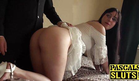 आदमी बिस्तर पर उसे और हिंदी सेक्सी फुल मूवी वीडियो दो महिलाओं के मुंह, लैटिना छुरा घोंपा