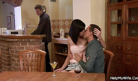 बिस्तर में घर पर काले आदमी के साथ हिंदी में फुल सेक्सी फिल्म पत्नी