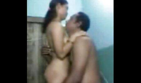में ट्रैक हिंदी में सेक्सी फुल मूवी सूट के साथ उसके साथी